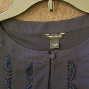 Pretty detailed sleeveless barely used Navy blouse